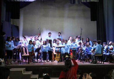 Los chicos de la orquesta festejaron dos años de música
